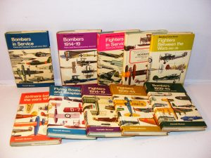 The Pocket encyclopaedia of world aircraft in colour 1-10 Kenneth Munson